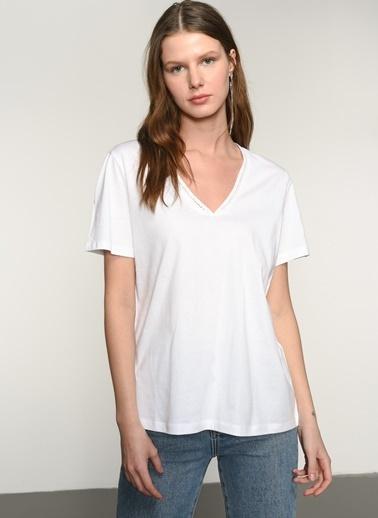 NGSTYLE NGKSS21TS0048 Yaka Detaylı Tshirt Beyaz